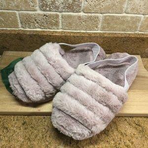 New Ariana Grande Slippers - 7/8